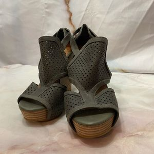 Gianni Bini 8.5 Grey wedges